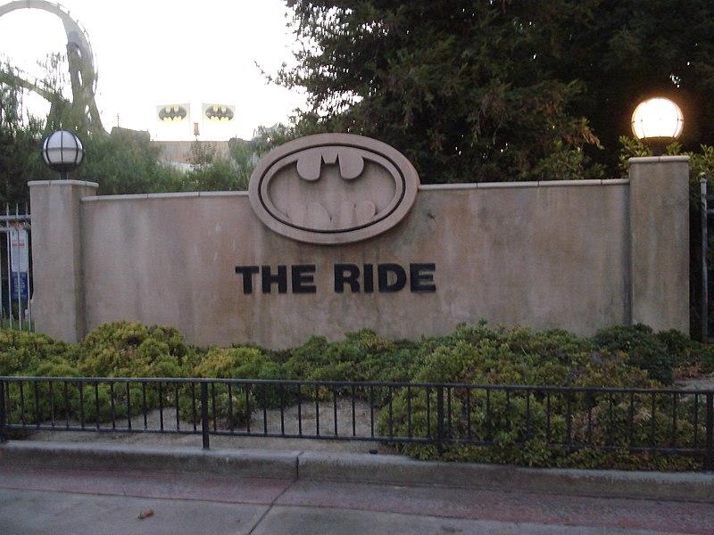 Batman Sign, Courtesy of Alton on wikipedia.JPG