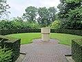 Begraafplaats Hoevelaken (31305389186).jpg