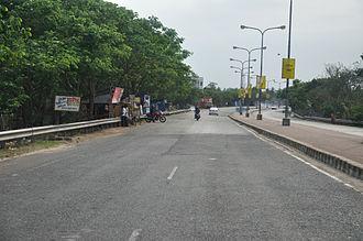 Belghoria Expressway - Image: Belghoria Expressway Kolkata 2012 04 11 9435