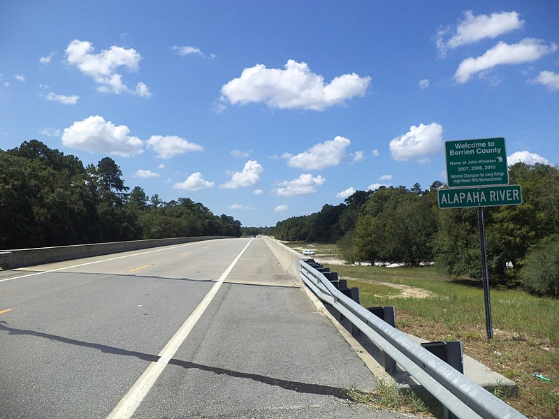 File:Berrien County border, GA135SB.JPG