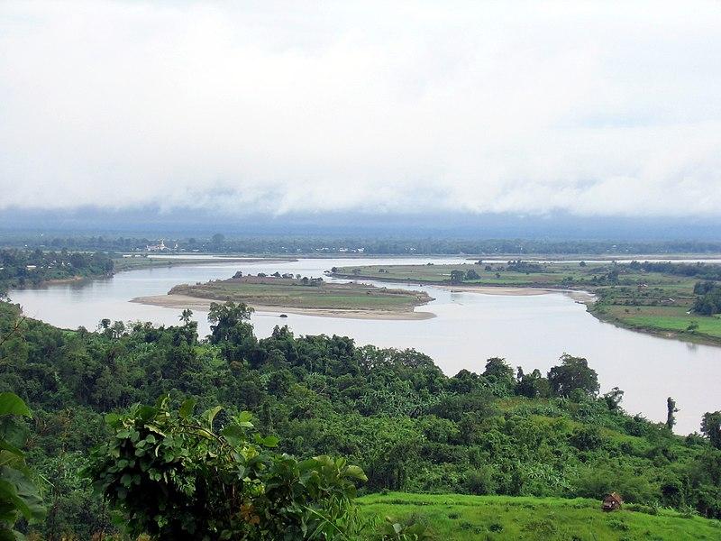 File:Bhamo-ayeyarwady-d02.jpg