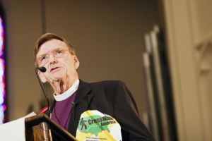 Bishop Spong during CrossWalk America, 2006