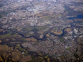 Blantyre and the River Clyde from the air (geograph 5716664).jpg