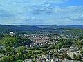 Blick vom Rheingrafenstein über den Ortsteil Ebernburg nach Norheim – links die Ebernburg - panoramio.jpg