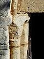 Boulouneix église portail chapiteau.JPG