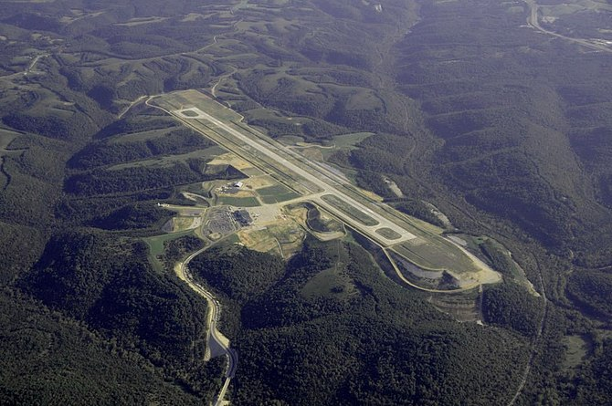 English: Aerial Photo of Branson Airport near ...