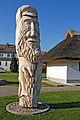 Breege (Rügen) - Holzskulptur am Hafen (11951183316).jpg