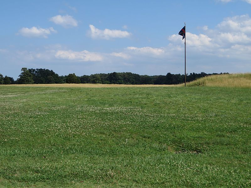 File:British Inner Defense Lines, Yorktown Battlefield, Colonial National Historic Site, Yorktown, Virginia (14239310130).jpg