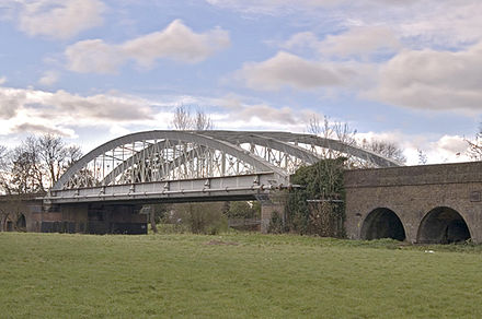 Brunel's wrought-iron Windsor Railway Bridge: both a tied-arch and a through-arch - Through arch bridge