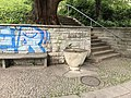 Brunnen Ecke Wiedingstrasse und Schlossgasse 01.jpg