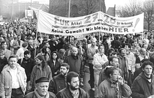 Alexanderplatz demonstration - Protesters referring to paragraphs 27 and 28 of the East German constitution
