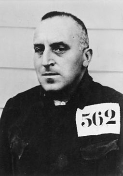 Ossietzky in Esterwegen concentration camp, 1934 Bundesarchiv Bild 183-93516-0010, Carl von Ossietzky.jpg