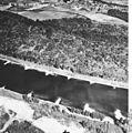 Bundesarchiv Bild 195-2273, Rheinbefliegung, Istein.jpg