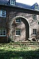 Burg Kendenich Vorburg äußere Westseite und ehemaliges Tor.JPG