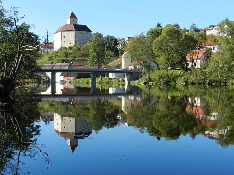 File:Burg Trausnitz im Tal 2011 01.jpg