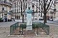 Buste général Artigas, place de l'Uruguay, Paris 16e 2.jpg