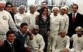 CFK con operarios de una planta láctea de Chivilcoy.jpg