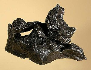 Campo del Cielo - Campo del Cielo iron meteorite with natural hole, 576 grams