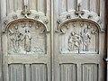 Cany-Barville (Seine-Mar.) église de Cany, sculpture 1 et 2 de la porte d'entrée.jpg