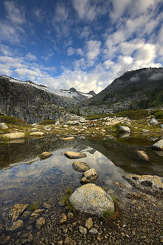 Geography of California - Alpine tarn in the Trinity Alps