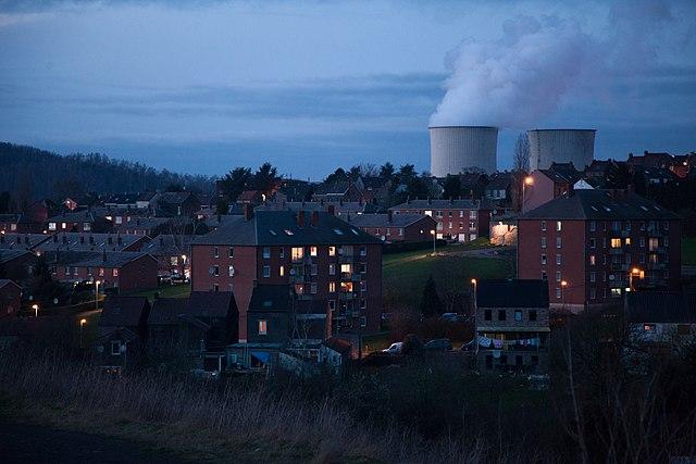 external image 640px-Charleroi-paysage-cit%C3%A9-industrie-Christophe-Vandercam.jpg
