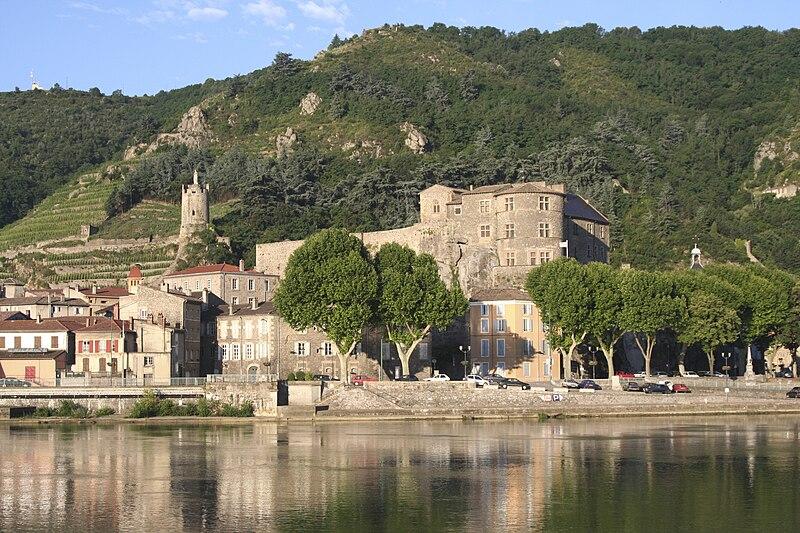 File:Chateau tournon-6.jpg