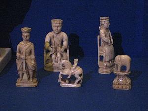 Walrus ivory - A walrus ivory chess set, mid-18th century, Russia
