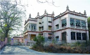 హైదరాబాద్ లోని ఎర్రగడ్డ వద్ద చాతి ఆసుపత్రి భవనము.