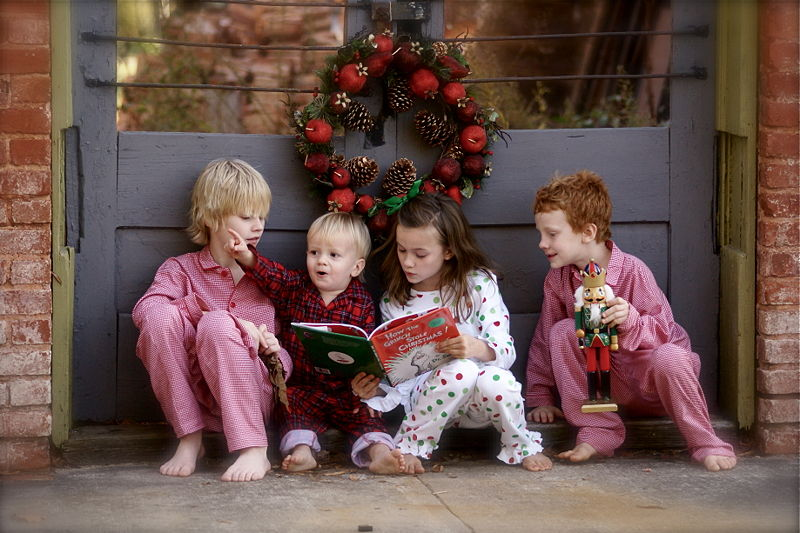 File:Children reading The Grinch.jpg