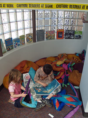 Children Reading at the Buell Children's Museu...