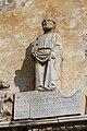 Cinque Terre, Corniglia, Chiesa di San Pietro, statua del Santo posta sull'ingresso. - panoramio.jpg