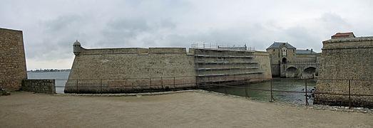 Citadelle de Port-Louis (0) - Entrée 1.jpg