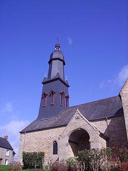 Clocher de l'église - Saint-Georges-de-Chesné - 2007.jpg