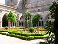 Cloitre abbaye de Fontfroide.jpg