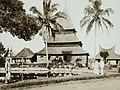 Collectie NMvWereldculturen, TM-60003477, Foto- 'Moskee bij Fort de Kock', fotograaf onbekend, 1890-1910.jpg