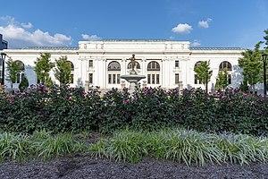 Columbus Metropolitan Library West Entrance 1.jpg