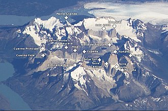 Cordillera Paine - Image: Cordillera del Paine annotated