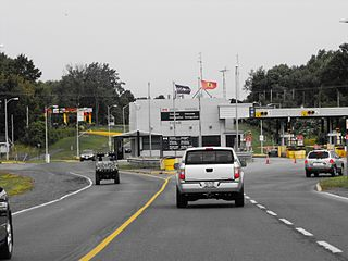 Three Nations Crossing Canada—US border crossing