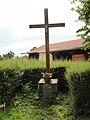 Coulombiers (Sarthe) croix de chemin, D129.jpg