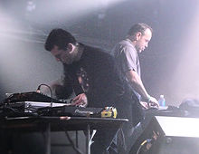 Description de l'image  Crystal_Method,_March_2009.jpg.