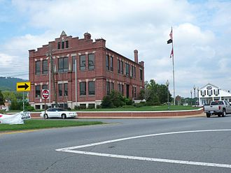 Dade County, Georgia - Image: Dade County Courthouse in Trenton, Georgia, USA
