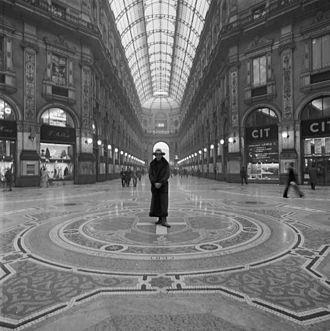 Daniel Spoerri - Portrait of Daniel Spoerri, Milan, Photo: Lothar Wolleh