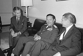 Dawee Chullasapya - Dawee Chullasapya (center), meets with Secretary of Defense Robert S. McNamara at the Pentagon (1965)