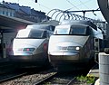 Deux TGV Sud-Est en gare d'Annecy en 2008.JPG