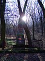 Dolní Břežany, Hálkův pomník.JPG