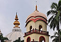 Dome and a Minaret of Samadhi Mandir of Srila Prabhupada, Mayapur 07102013.jpg