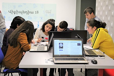 Edit-a-thon dedicated to the 150th anniversary of Hovhannes Toumanian, Wikimedia Armenia 02.jpg