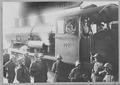 Eine Lokomotive wird während des Landesstreiks besetzt - CH-BAR - 3241481.tif