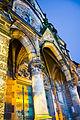 Eingang der Aachener Pfarrkirche Hl. Kreuz bei Nacht.jpg
