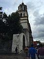 El organillero al pie de la iglesia.jpg